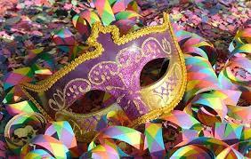 Empresas podem fazer acordos com os empregados para manter ou não folga de carnaval.